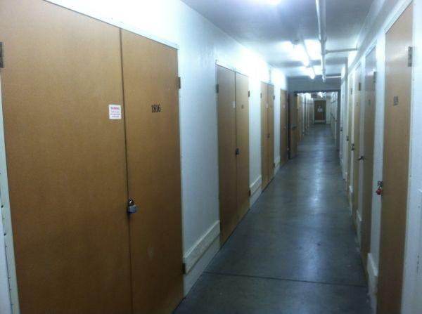 Self Storage Units At Storcal Self Storage Of Van Nuys In