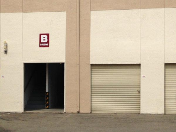 Self Storage Units At Towncentre Self Storage In Brentwood