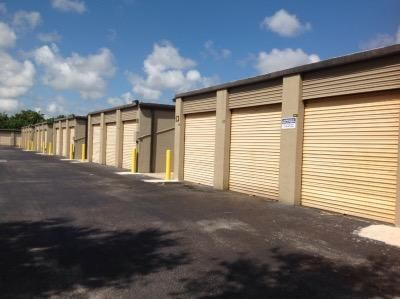 Self Storage Units At Life Storage Pompano Beach West