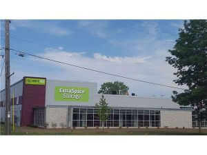 Extra Space Storage - West Allis - Curtis Rd