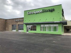 Extra Space Storage - Zion - Sheridan Rd
