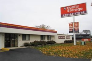 Public Storage - Milwaukee - 900 W Layton Ave