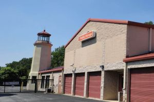 Public Storage - Newtown Square - 5085 West Chester Pike